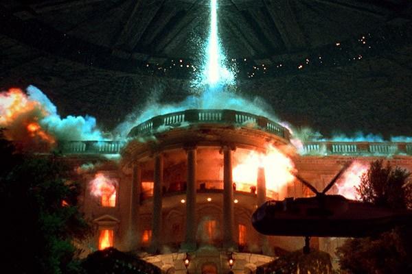 영화 초반에 나오는 백악관 폭파씬은 <인디펜던스 데이>를 상징하는 명장면이다.