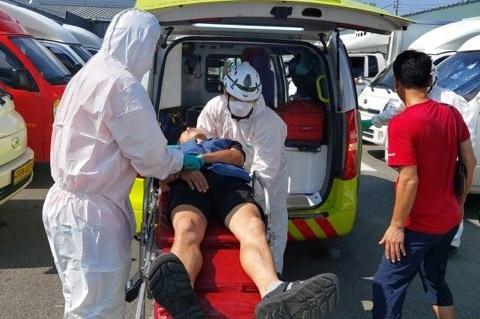 롯데택배 부산사상터미널에서 일하던 택배노동자가 7월 28일 아침 실신에 병원에 후송됐다.