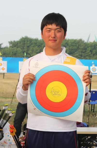 뛰어난 실력으로 어린 시절부터 주목 받았던 김우진