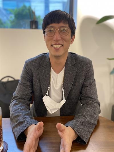지난 7월 초, 성북구 인근 카페에서 인터뷰 하고 있는 정주원.