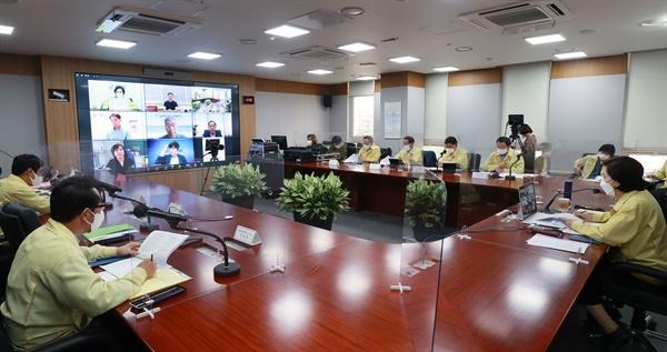 3일 오후 3시, 유은혜 교육부장관-교원 6단체 간담회가 열렸다.