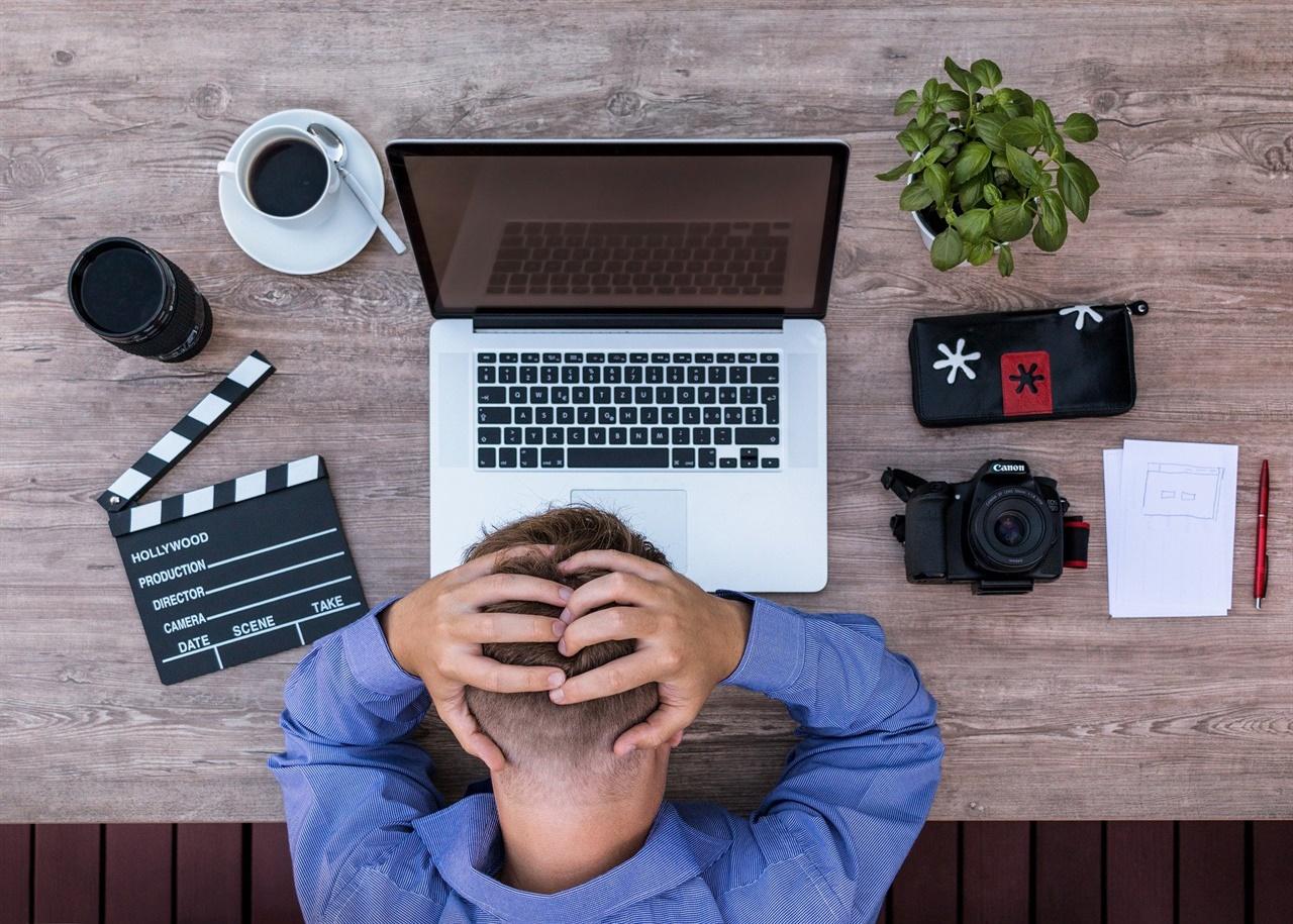 모든 작가들은 창작의 고통을 넘어서 작품을 만들고 그것을 보는 독자들의 반응 속 감동과 힐링에 또다시 쾌감과 중독을 느끼게 된다. 그것이 그들의 원동력이다.
