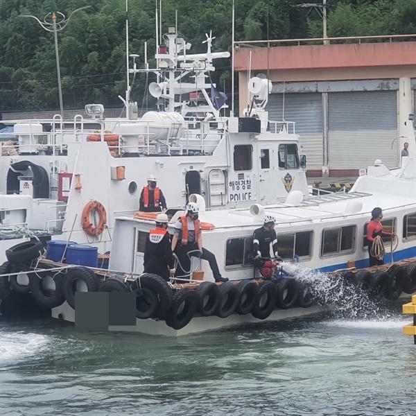 18일 오전 9시 13분경 창원시 마산합포구 구산면 흑암 북방 0.5해리 해상에서 ㄱ호(10톤급)가 침수되었다.