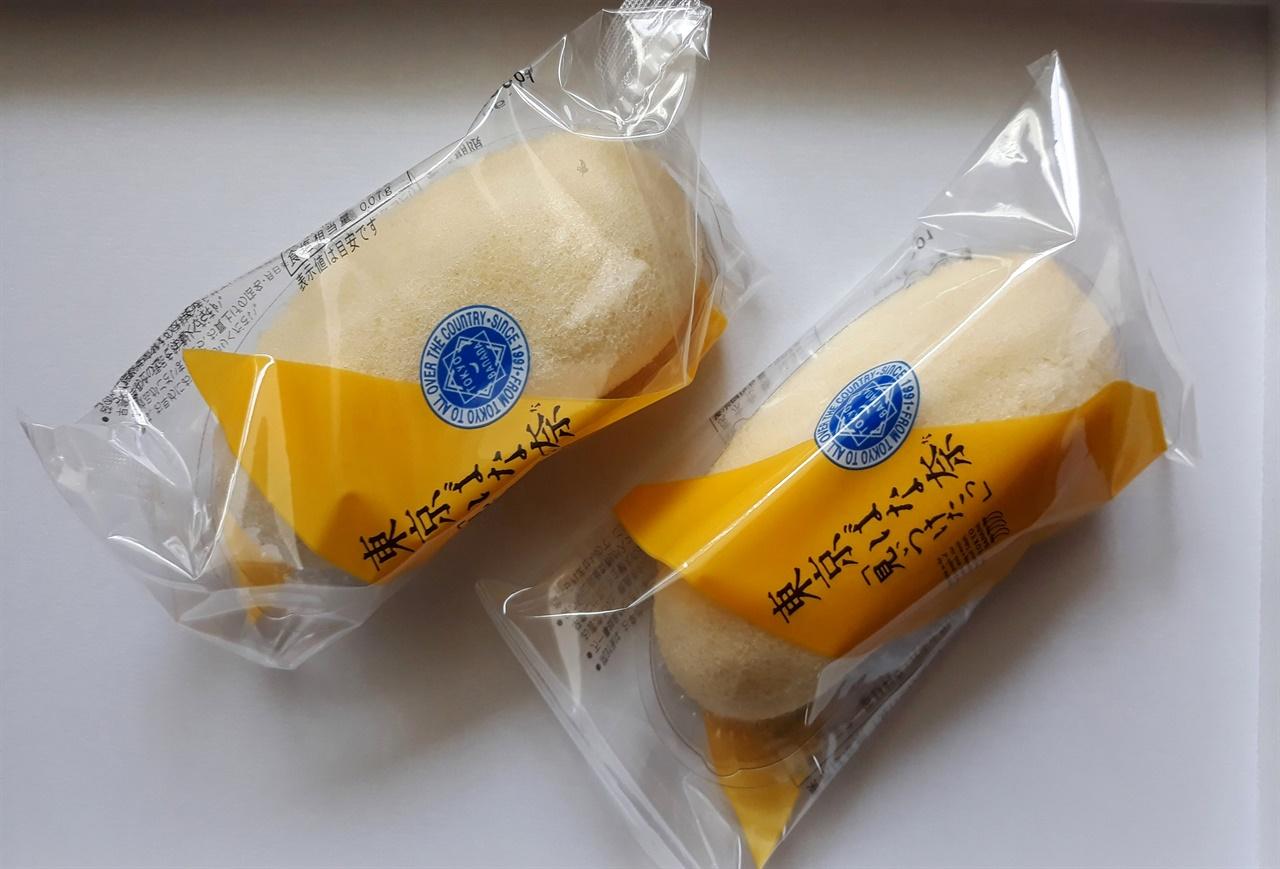 도쿄바나나(동경바나나,東京バナナ)는 일본에 들른 관광객들이 선물용으로 가장 많이 사는 품목 중 하나다.