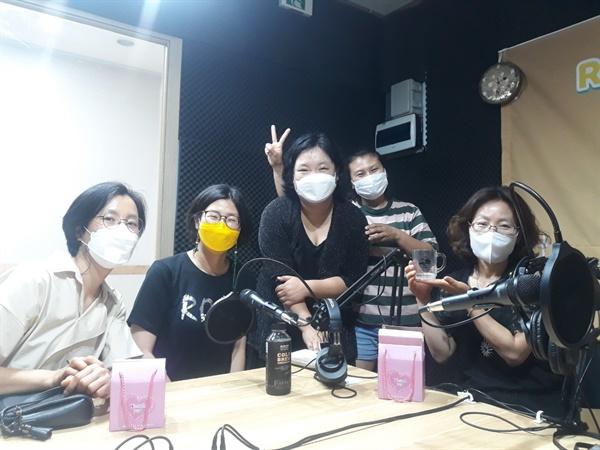 지난 8월 21일 김해FM 유튜브 방송 제작 현장