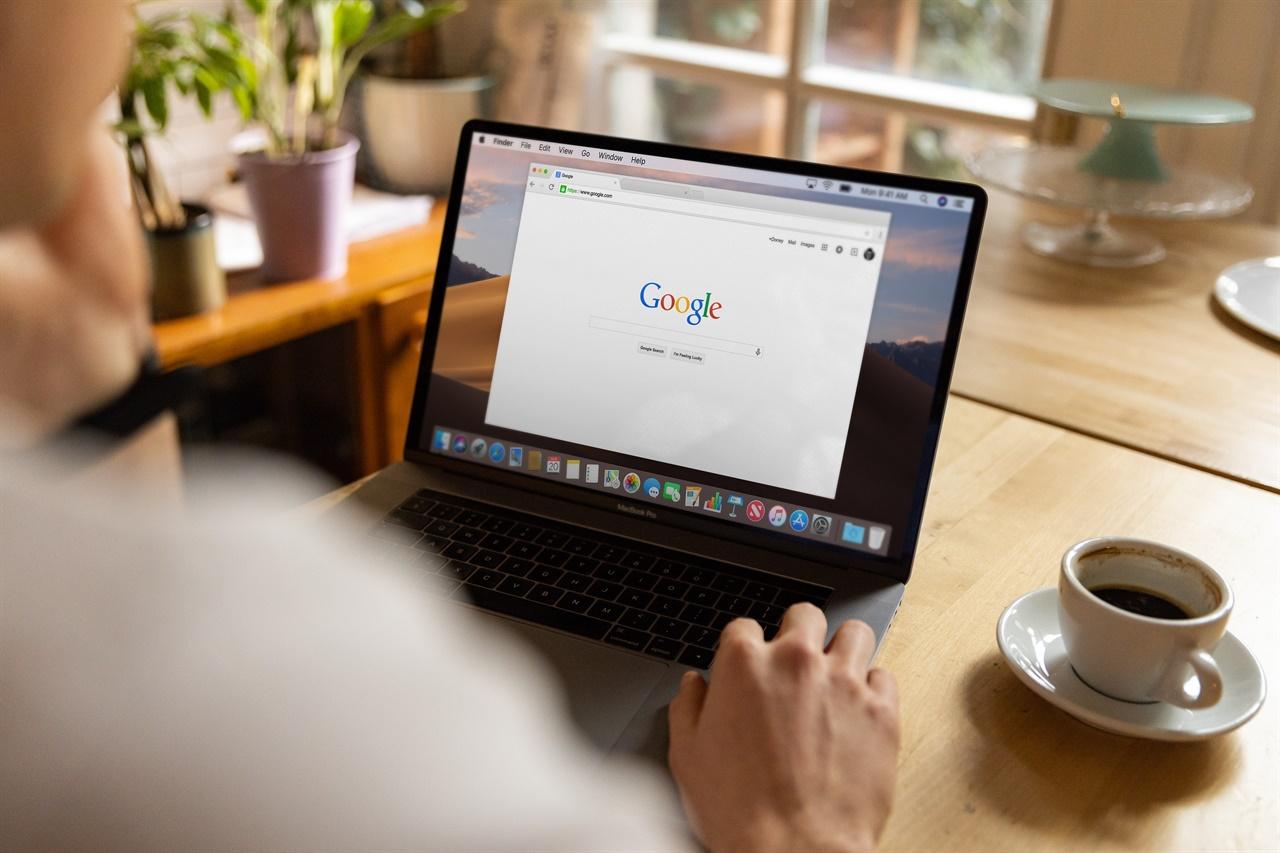 해외 디지털플랫폼 구글은 무료 뉴스 애플리케이션 '구글 뉴스'를 제공하고 있다.