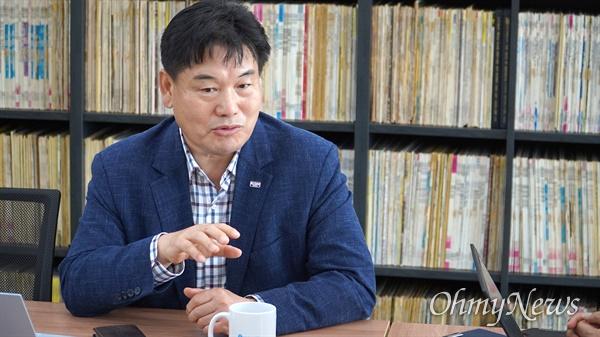 지난달 말 대구시 경제부시장 직을 사임하고 다시 정치인으로 돌아온 홍의락 전 의원.