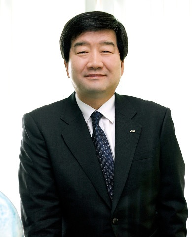 최평규 SNT그룹 회장.