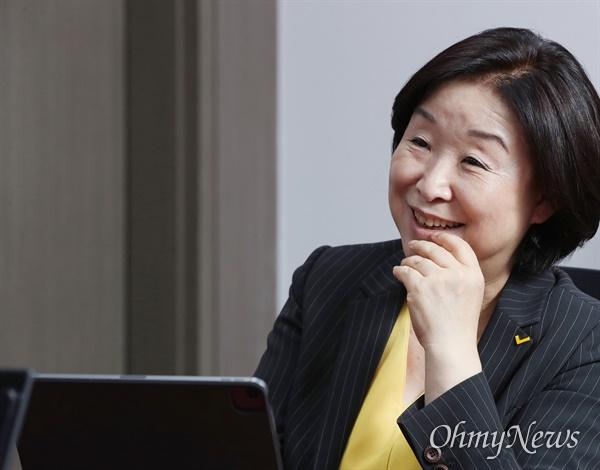 대선출마를 선언한 심상정 정의당 의원이 13일 서울 여의도 국회 의원회관에서 <오마이뉴스>와 인터뷰하고 있다.