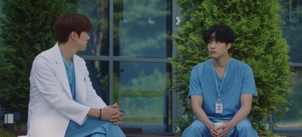 tvN 목요드라마 <슬기로운 의사생활 시즌 2> 11화 한 장면
