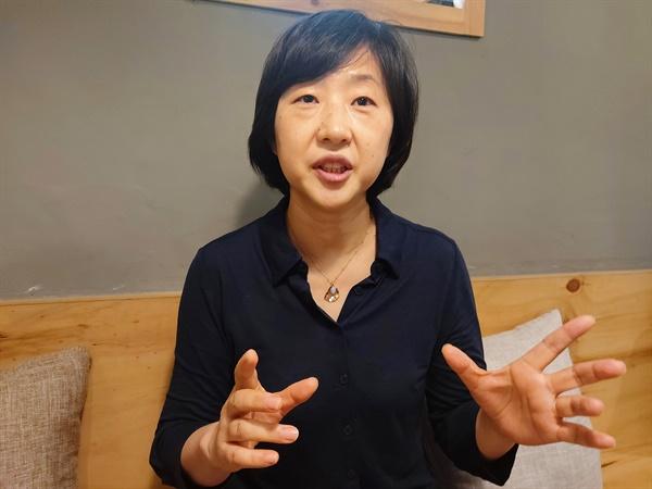 김명진 한글문화연대 국어문화원 부원장이 도로 관련 전문용어의 문제점을 지적하고 있다.