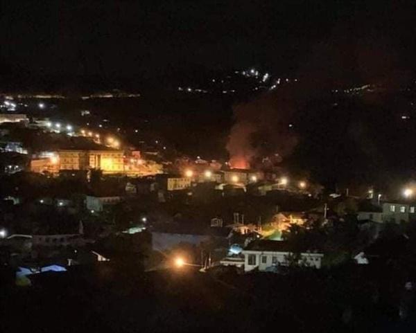18일 밤 8시경 친주 하카시 친우시구에 군경들이 여러 무기들로 마을을 공격해 집들을 태웠다.