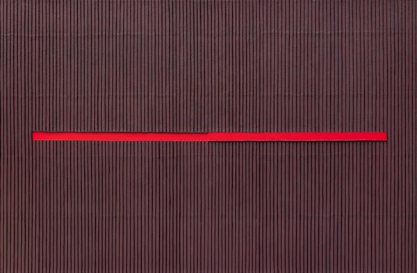 박서보 I 'Ecriture(描法) No.120715' 131×200cm 캔버스에 한지 2012. 사람 마음에 긴 상처자국이 보인다.