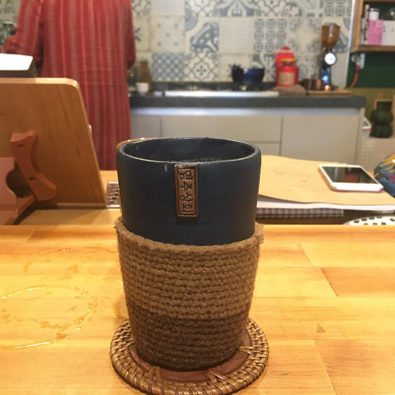 '마쌀라 짜이' 짜이는 '차(tea)'를, 마쌀라는 '향신료'를 의미한다.