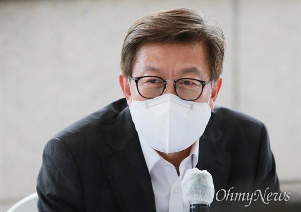 박형준 부산시장이 지난 9월 8일 이준석 국민의힘 당대표와 침례병원을 방문해 공공의료 현장 간담회를 열었다.