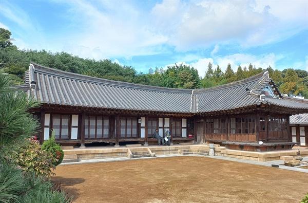 광주광역시 민속문화재 제1호로 지정된 이장우 기옥. 19세기 말에 지어진 광주 상류층의 호화 저택이다