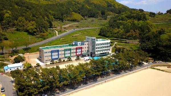 남해 상주중학교 전경.