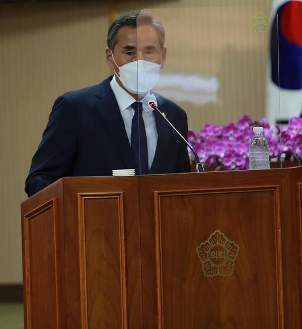 청양군의회 김종관 의원이 지난 6월 행정사무감사에 이어 14일 군정질문에서도 공무원들의 관외 주소지에 대해 문제를 제기했다.