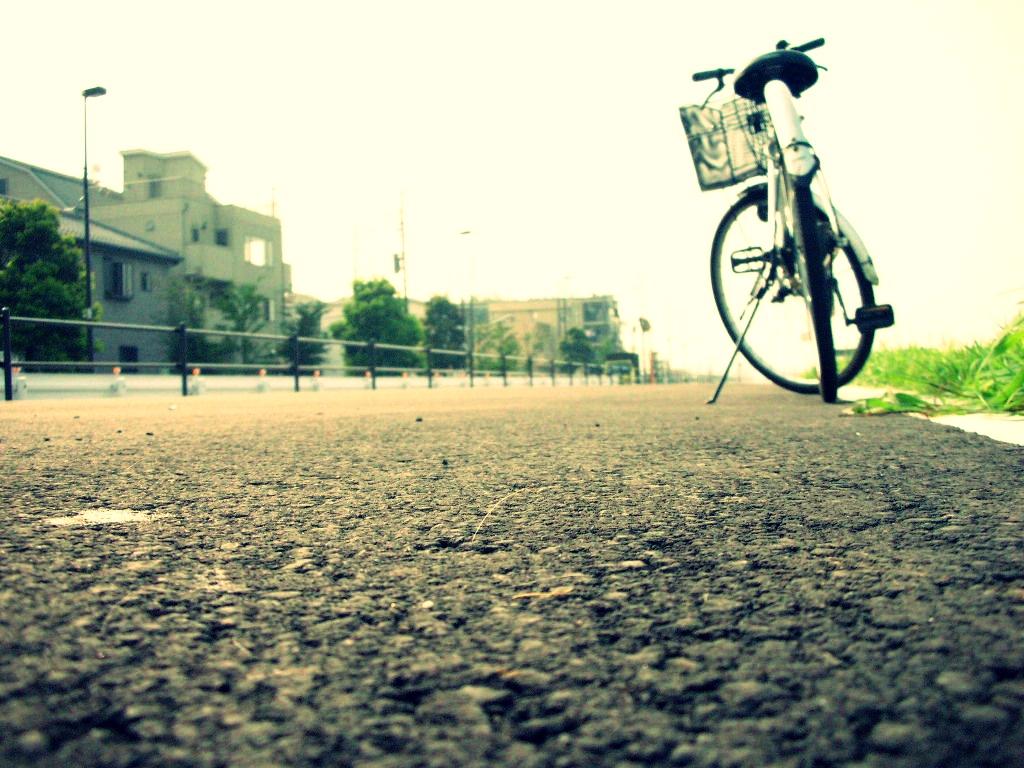 自転車の 自転車 写真 : 自転車と風景の写真、画像 ...